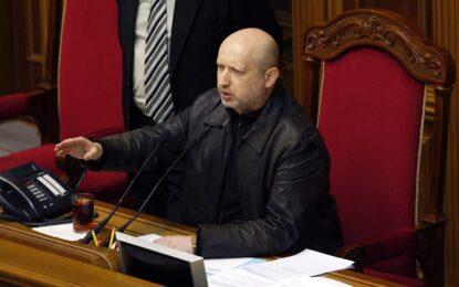 Киев няма да праща армия в Крим, Москва обяви нови учения