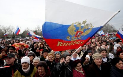 Властите в Крим обявиха руския език за официален, канят се да приемат и рублата