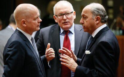 ЕС и САЩ обявиха санкциите срещу хора на Путин и Янукович
