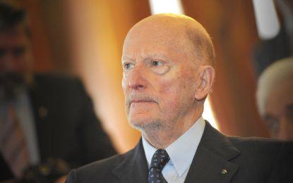 Бивши политици връщат Симеон II в обращение