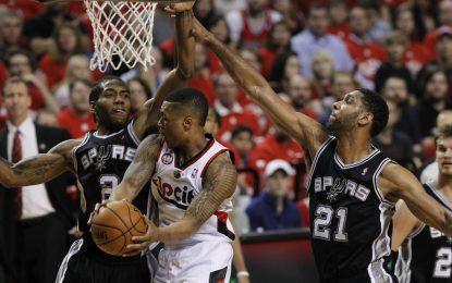 """НБА плейофи: """"Блейзърс"""" отлепиха от дъното"""