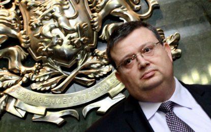 Думата на Цацаров е закон