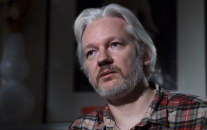 WikiLeaks излага на риск и стотици невинни хора