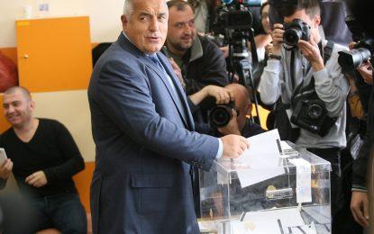 """Борисов """"за"""" референдума, """"Атака"""" иска свой за НАТО"""