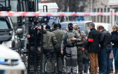Въоръжени взеха заложник и в белгийския град Гент