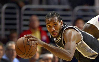 """Избрано от НБА: Ленърд изведе """"Спърс"""" до победа срещу """"Раптърс"""""""
