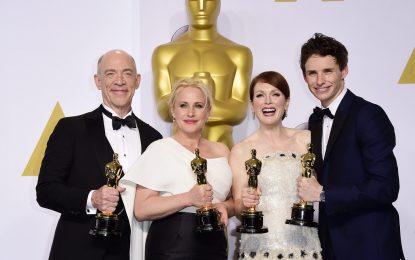 """""""Бърдмен"""", Джулиан Мур и екранният Хокинг взеха """"Оскар"""""""