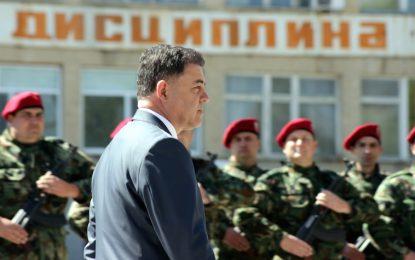 Военните излизат на протест напук на Ненчев
