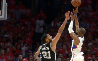 """НБА плейофи: Крис Пол спечели серията срещу """"Спърс"""" с кош в края"""