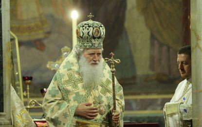 Кирил не дойде в София, Неофит отива в Москва