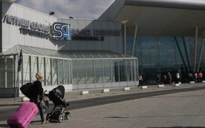 Кабинетът иска 600 млн. аванс за летище София заради БДЖ