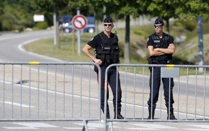 Френската полиция търси мотиви за бруталното убийство
