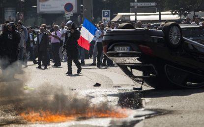 Жандармерия разпръсна с газ протести срещу Uber в Париж