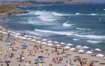 Солени чадъри – на солено море
