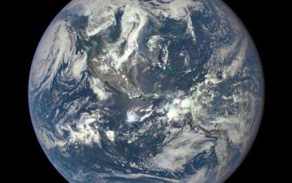 Първото панорамно селфи на Земята от 43 години