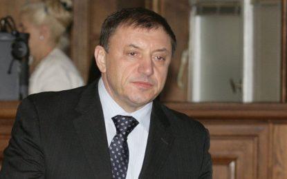 Атентаторите на Алексей Петров купили опела за 800 лева