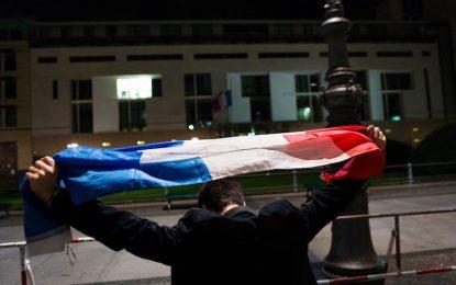 128 са убитите в Париж, Германия задържа предполагаем атентатор