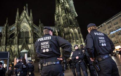 В Германия арестуваха двама косовари, атентаторът от Берлин още се издирва