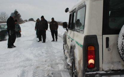 България още е в плен на студа и снега