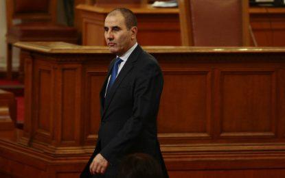 БСП се връща на власт до изборите, заяви Цветанов