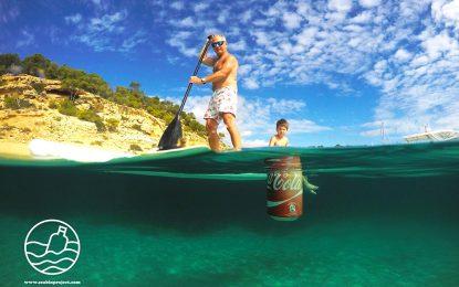 Сърфисти ще чистят океана с плаващо кошче за боклук