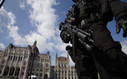 Европейските летища въоръжени до зъби след Брюксел (галерия)