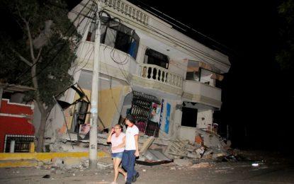 Мощно заметресение взе десетки жертви в Еквадор