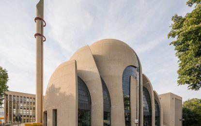 Германия вижда в джамиите си дългата ръка на Анкара