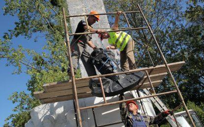 Полша прави гробище за руски паметници
