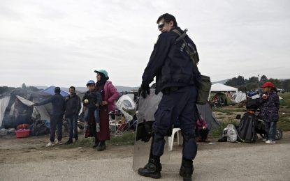 Гърция изселва 8400 мигранти от Идомени (галерия)