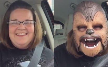 Майка с маска на Чубака счупи Facebook Live рекорд
