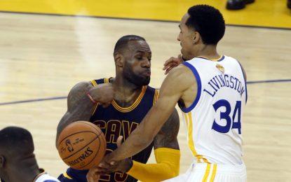 """Избрано от НБА: Резервите защитиха домакинското предимство на """"Уориърс"""""""
