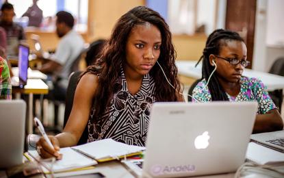 Зукърбърг наля $24 млн. в африканска академия за програмисти