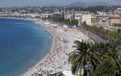 Военни и полицаи ще пазят туристите във Франция