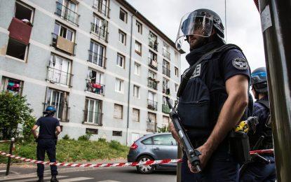 Франция изправи пред съда петима съучастници на джихадиста от Ница