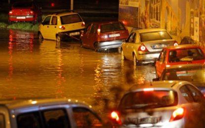 Най-малко 15 жертви на порои в Скопие