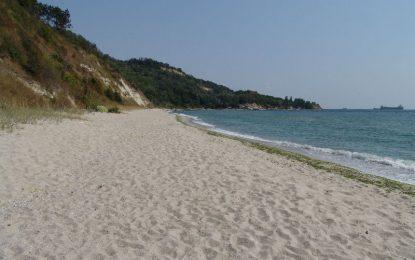 Хотелиер заграби плаж край Варна