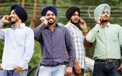 В Индия купуват избори със смартфони