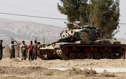 """Протурски бунтовници освободиха сирийски град от """"Ислямска държава"""""""