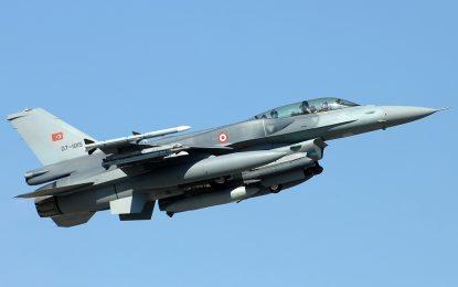 Турция възобнови бомбардировките си в Сирия