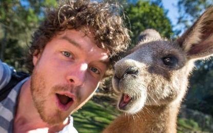 Австралиец стана професионален снимач на селфита с животни