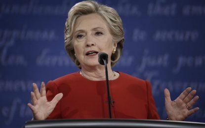 ФБР подложи крак на Клинтън с ново имейл разследване