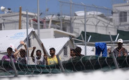 Турция тайно готви по 3000 бежанци на ден за Гърция