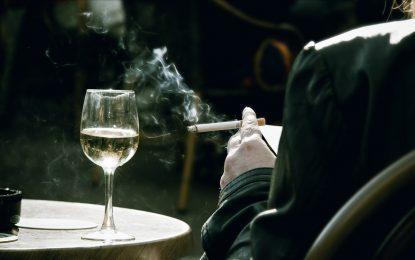 Чаша вино преди пушене предпазва съдовете