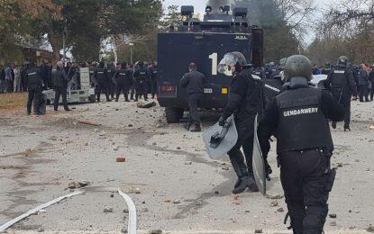 Бунт на мигрантите в Харманли, МВР прати водно оръдие