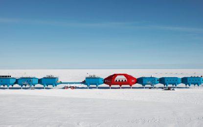 Великобритания мести антарктическа научна база заради огромен процеп в леда