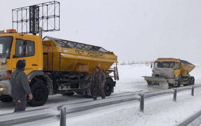 Пътят Айтос-Карнобат е отворен, разчиства се и Петолъчката