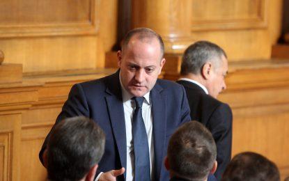 Групата на Реформаторите в парламента се цепи при нов кабинет