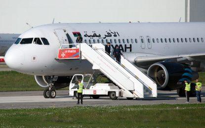 Доживотен затвор в Малта заплашва похитителите на либийския самолет