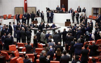 """""""Султаната"""" на Ердоган вече е в ръцете на турците"""